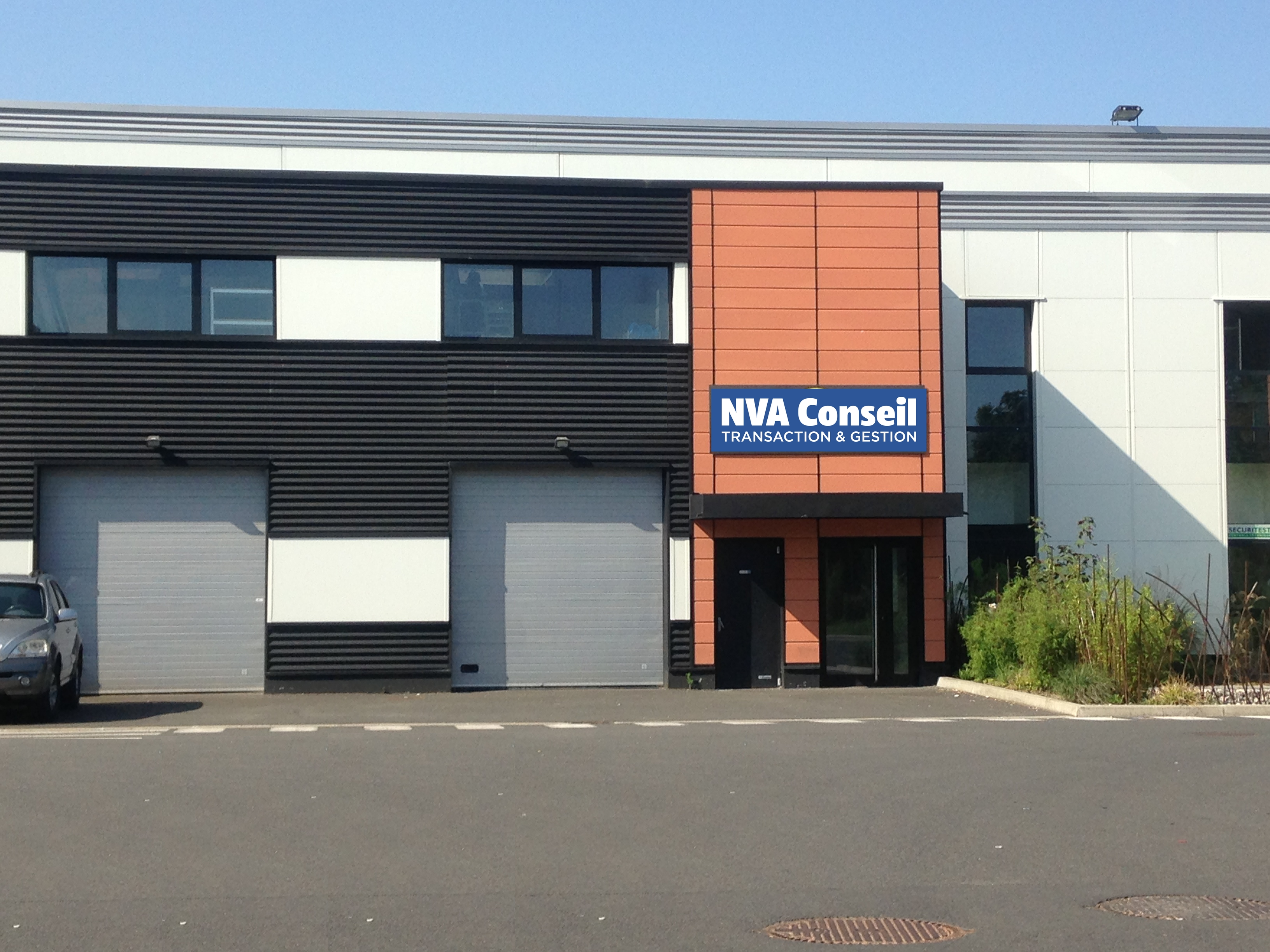Locaux d'Activités – 458 m²