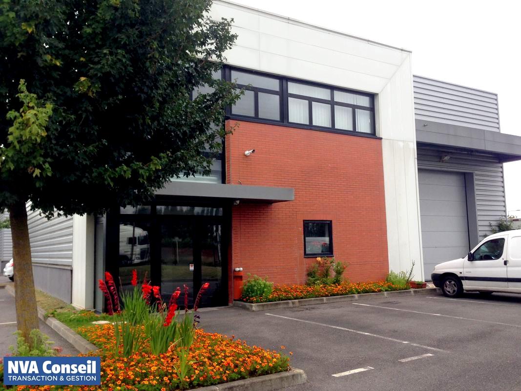 Locaux d'activités avec bureaux – 372 m²