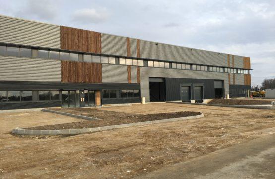 Locaux d'Activités / Entrepôts – 4.041 m² divisibles à partir de 1.210 m²