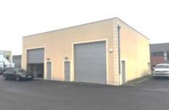 Local d'activités avec bureaux – 160 m²