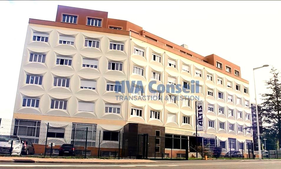 Bureaux centre ville avec parkings – 355 m² divisibles
